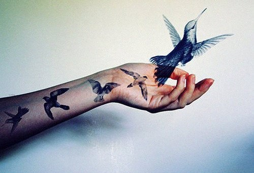 small-hummingbird-tattoo-designs-on-arm